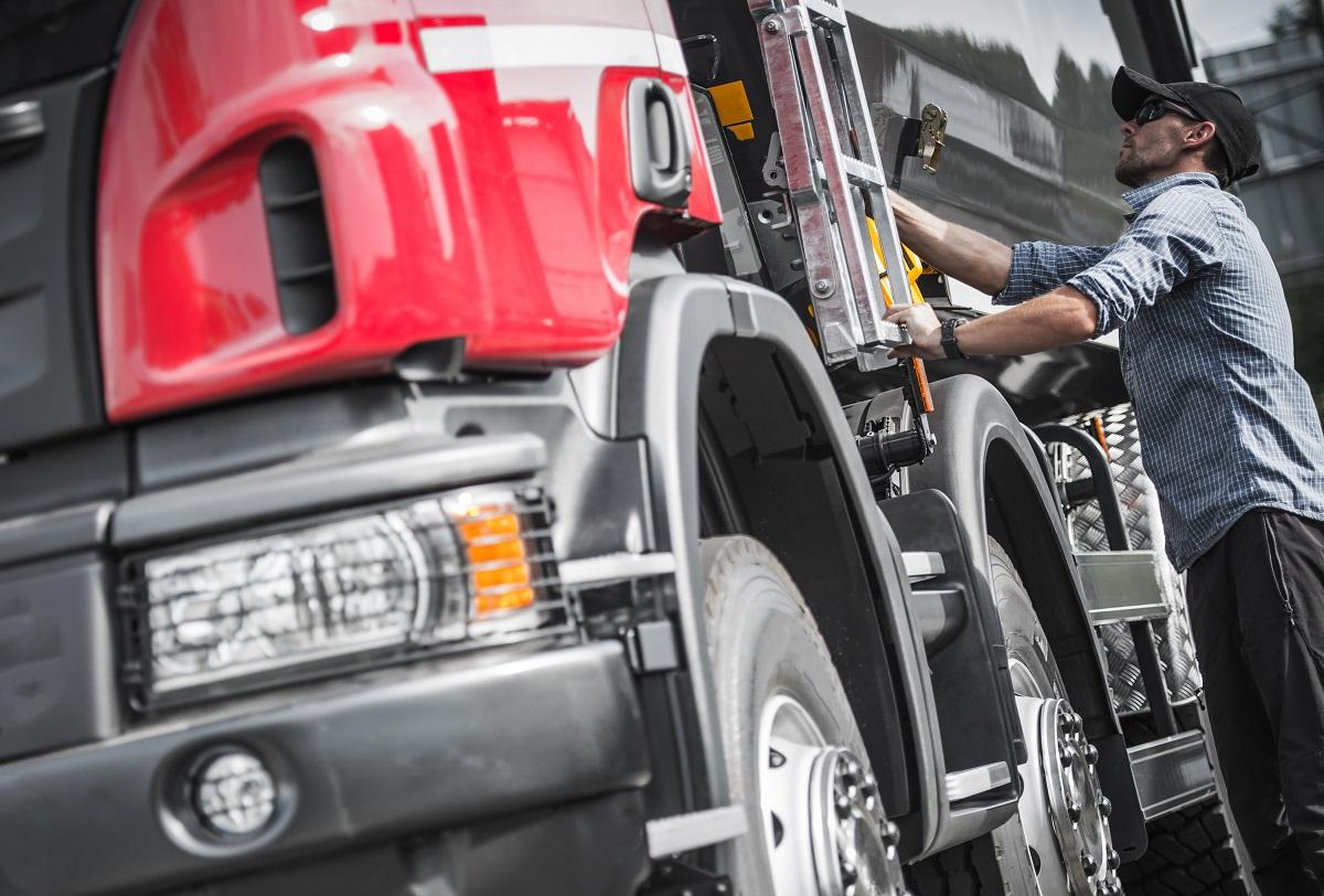 w-jaki-sposob-firmy-transportowe-chronia-ladunek-przed-kradzieza