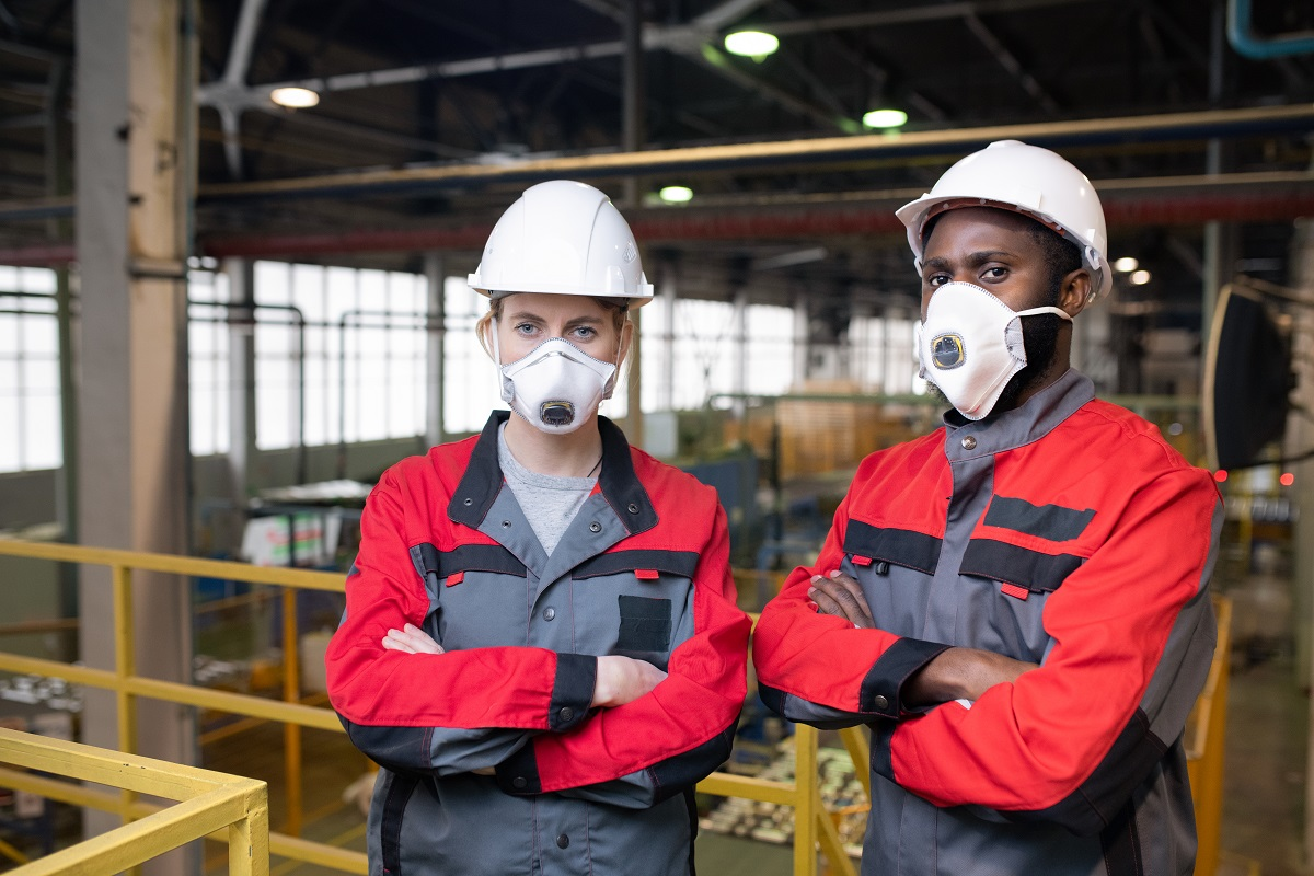 Składowanie materiałów sypkich – najważniejsze zasady BHP